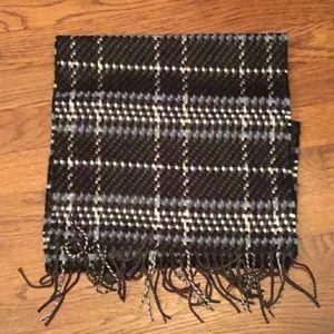 Plaid cashmere-like winter scarf